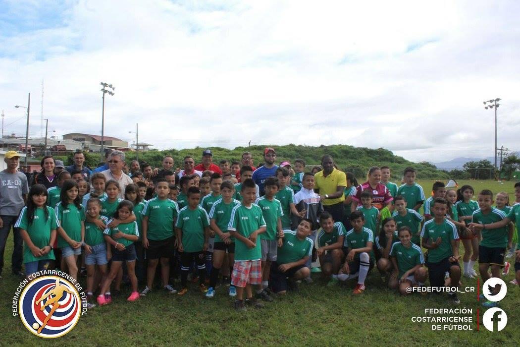 Niños de Alajuela tendrán su día de futbol