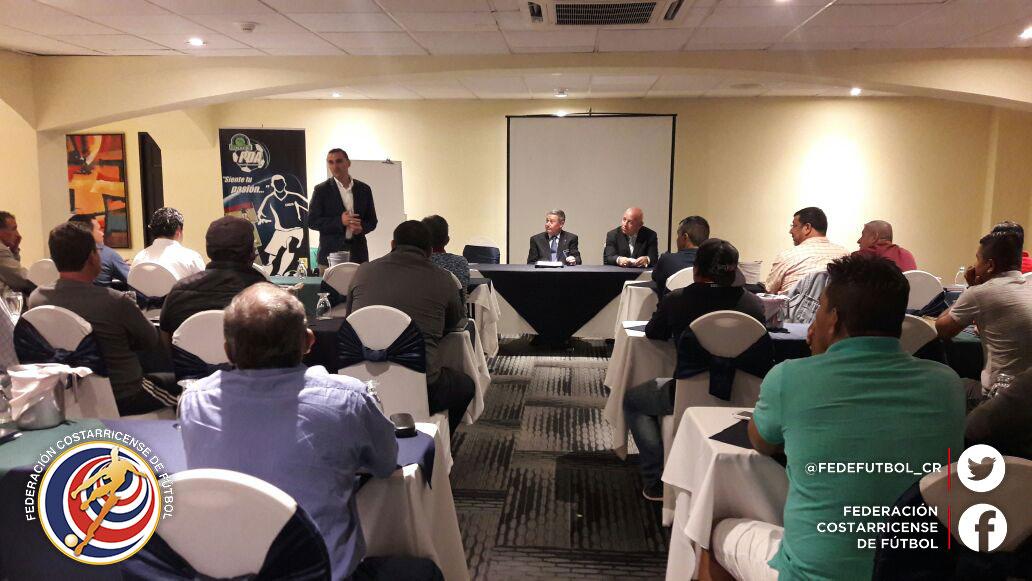 FEDEFUTBOL ofrece curso entrenadores de LINAFA