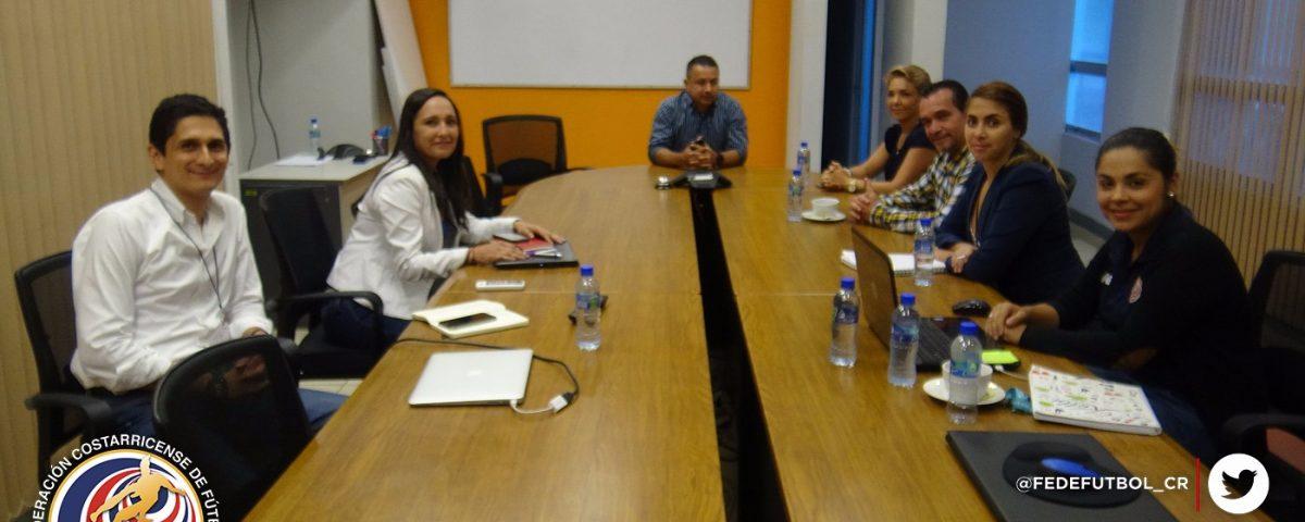 Rodolfo Villalobos en reunión con Alcalde de Alajuelita