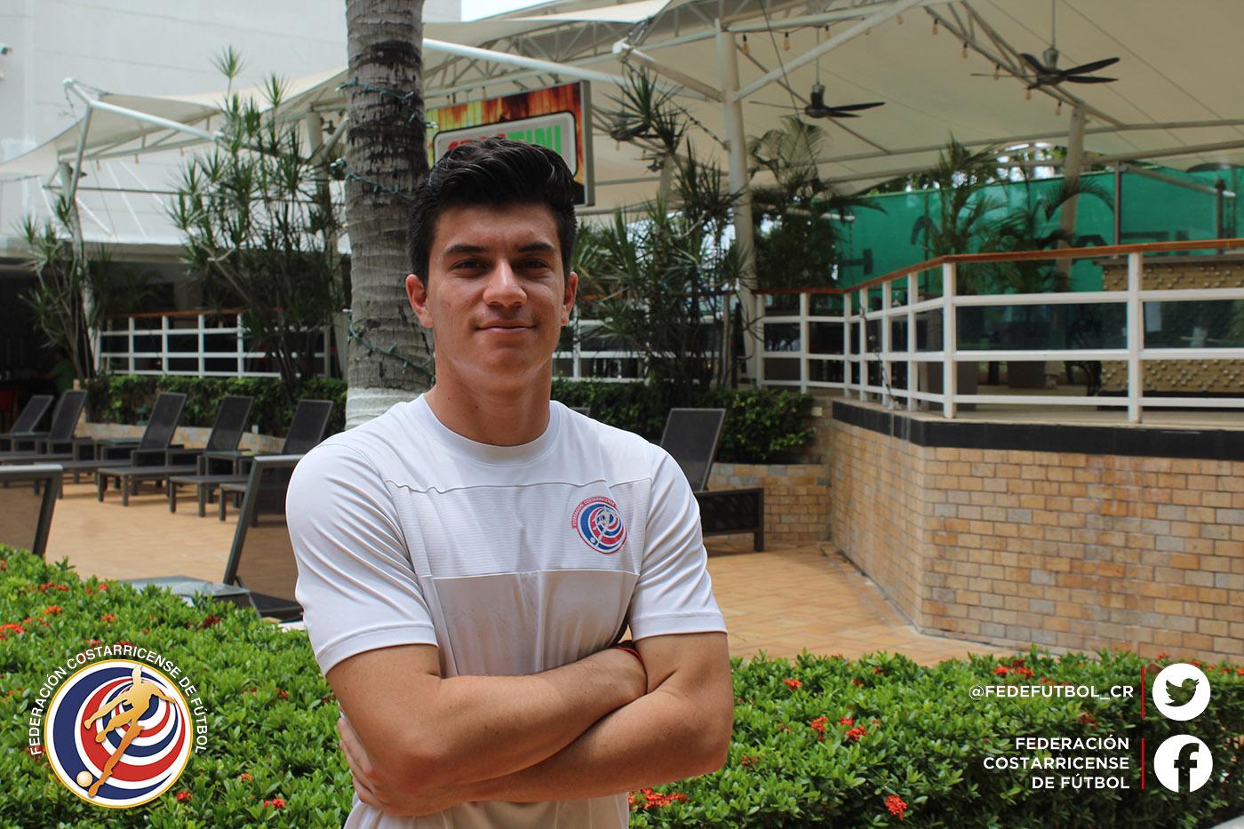 Ricardo Montenegro, un portero que ataja con fe