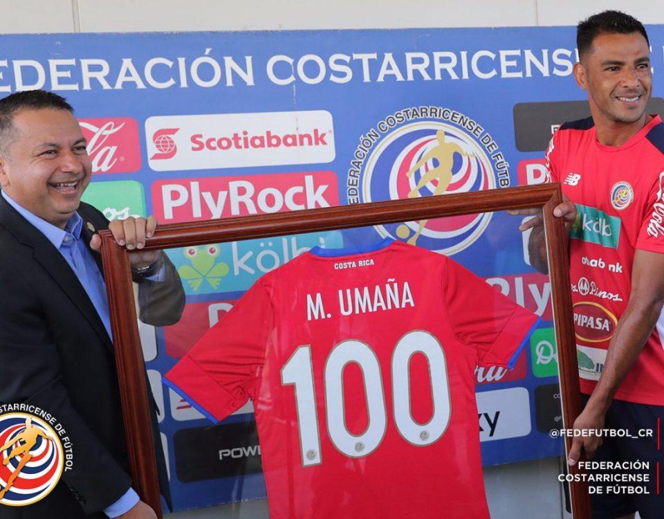 Homenaje 100 partidos Michael Umaña (1)