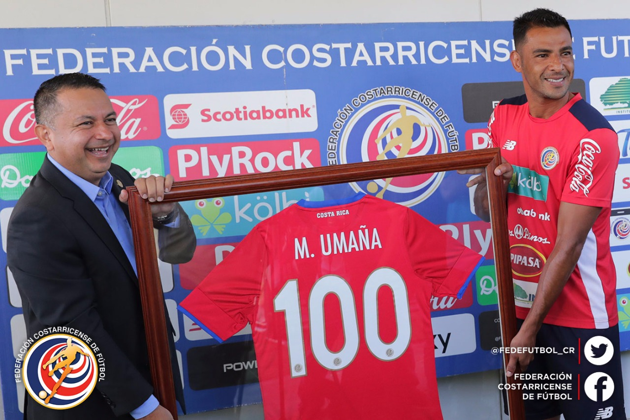 FEDEFUTBOL reconoce los 100 partidos de Umaña