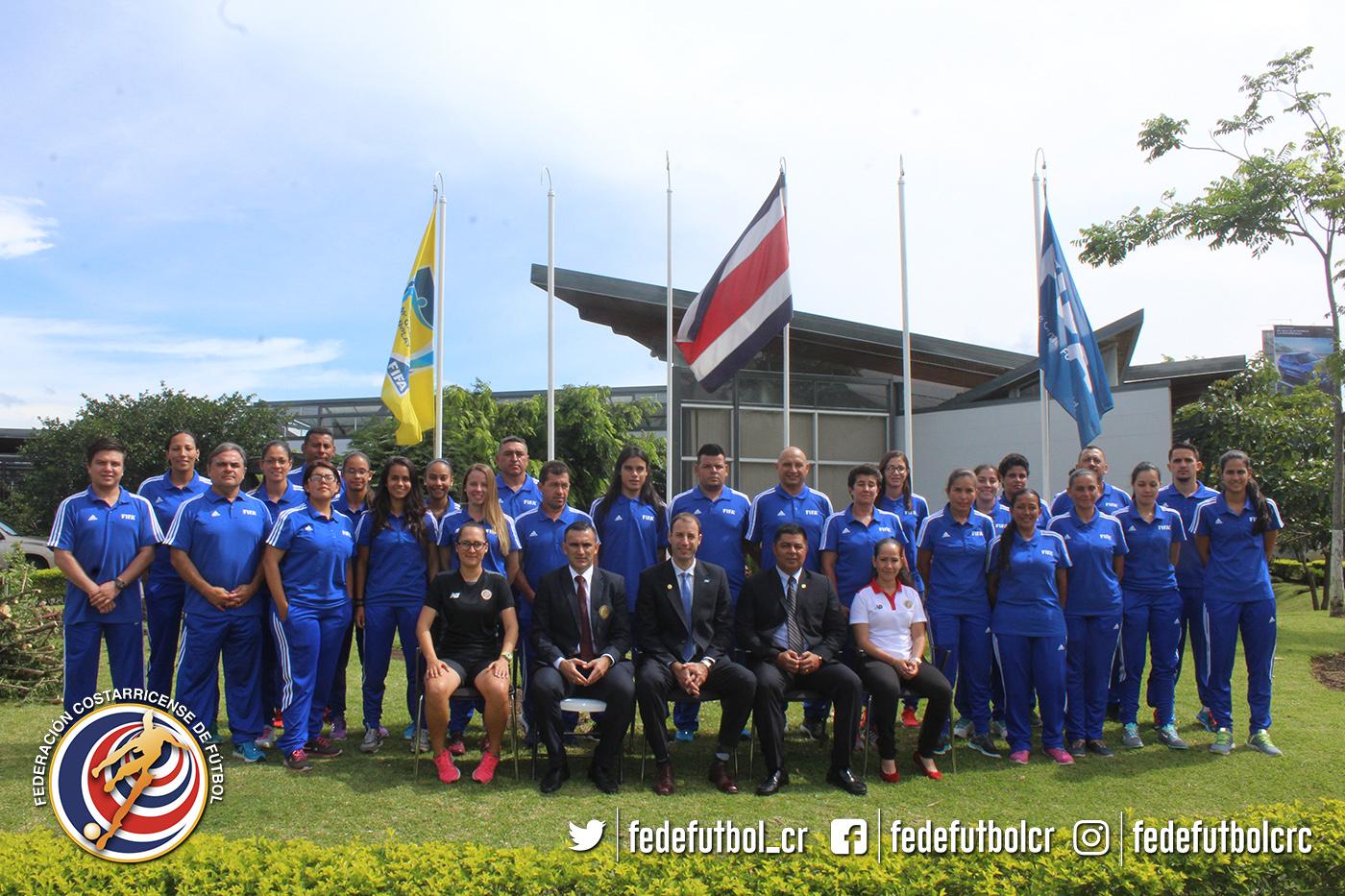Fútbol femenino a capacitación con FIFA