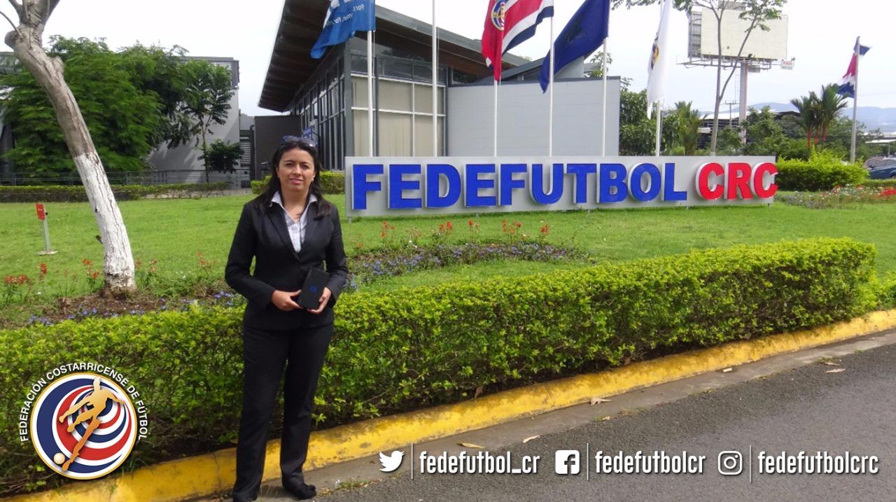 FEDEFUTBOL y Samsung premian el apoyo del aficionado