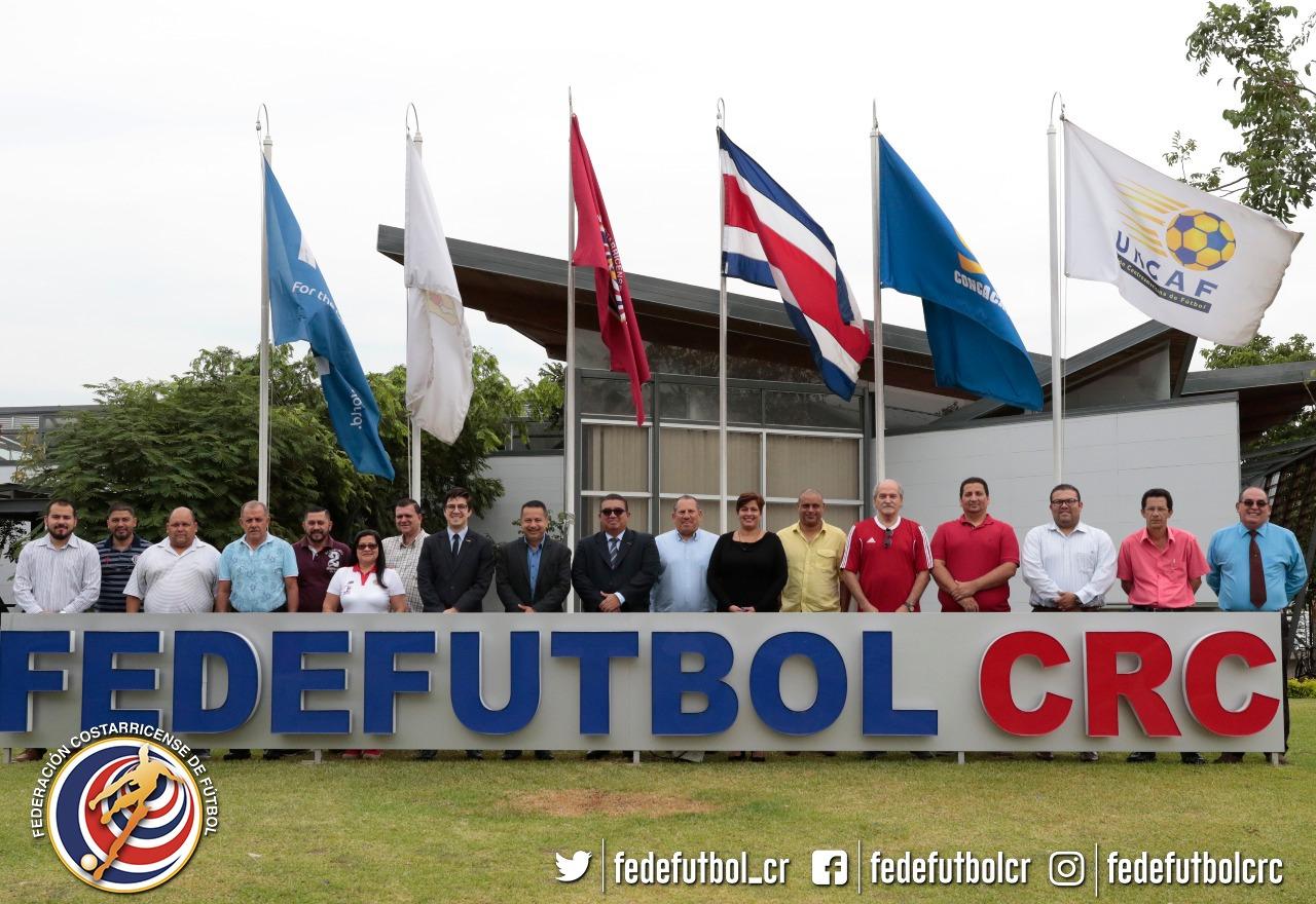 Comisarios de Futsal se preparan en la FEDEFUTBOL