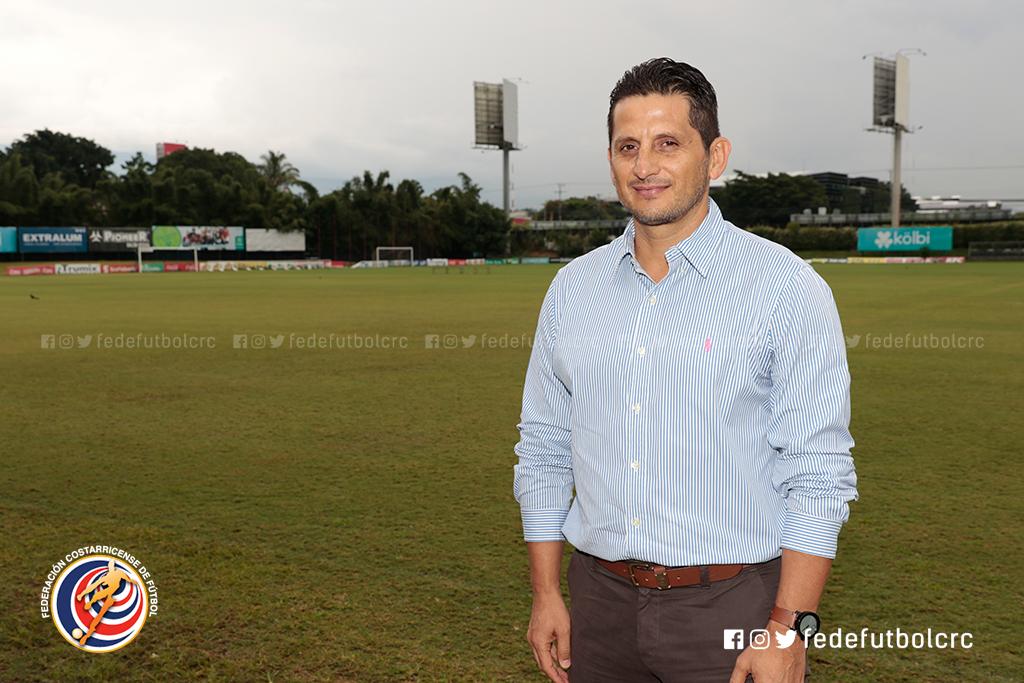 Ronald González será el técnico interino de La Sele