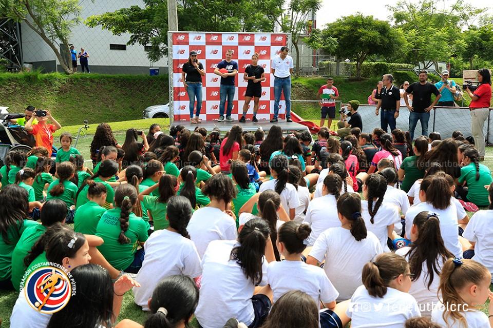 FEDEFUTBOL y New Balance se unen por la niñez costarricense