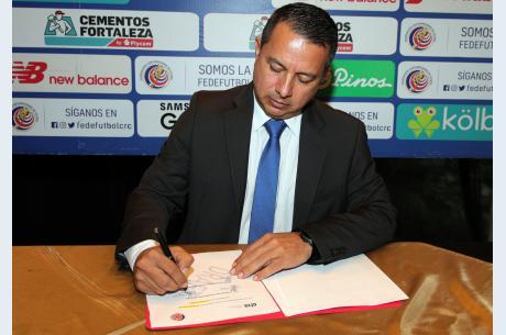FEDEFUTBOL firma alianza académica con CIES