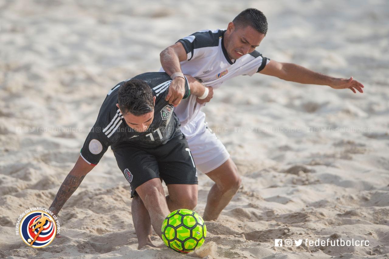 Sele de playa cayó ante México