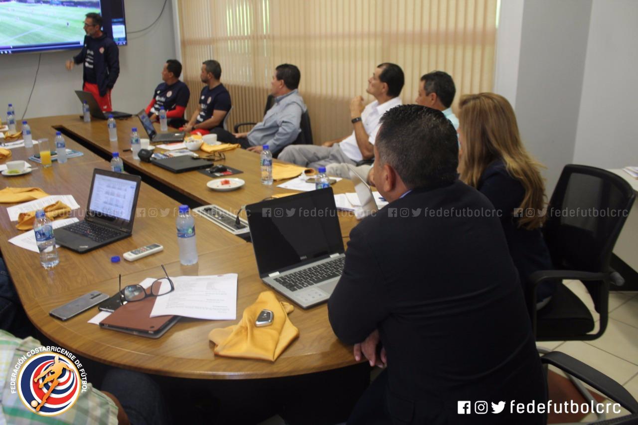 Cuerpo técnico de la Selección Mayor presentó informe al Ejecutivo