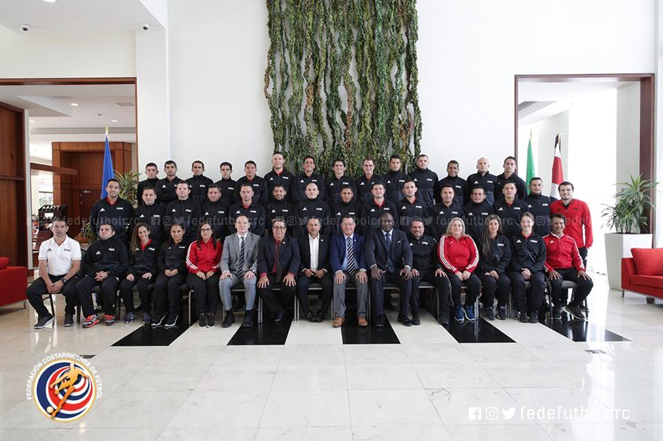 Árbitros élite inician curso RAP de FIFA