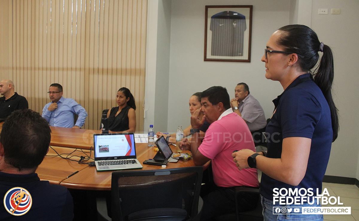 UNIFFUT colaborará con la preparación de la sub 20 femenina