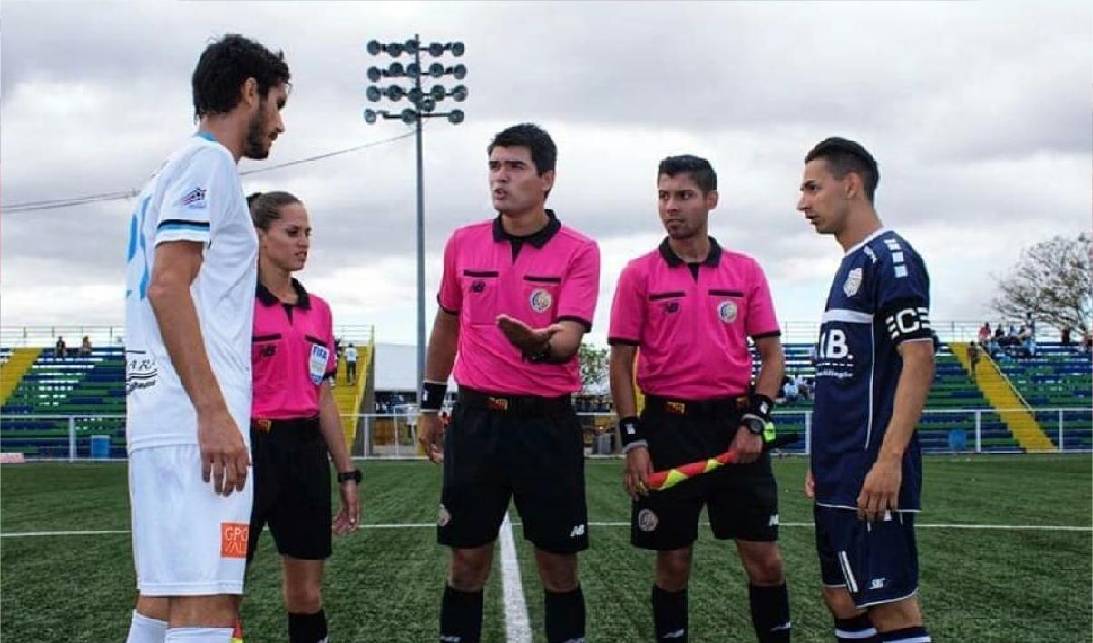 La paciencia le dio un premio: Jesús Montero debutará como central en la fecha 21