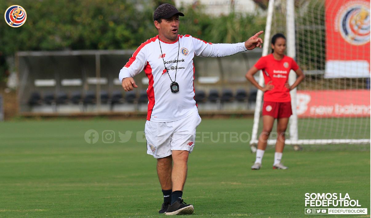 Inicio del campeonato femenino fortalece el trabajo de Harold López