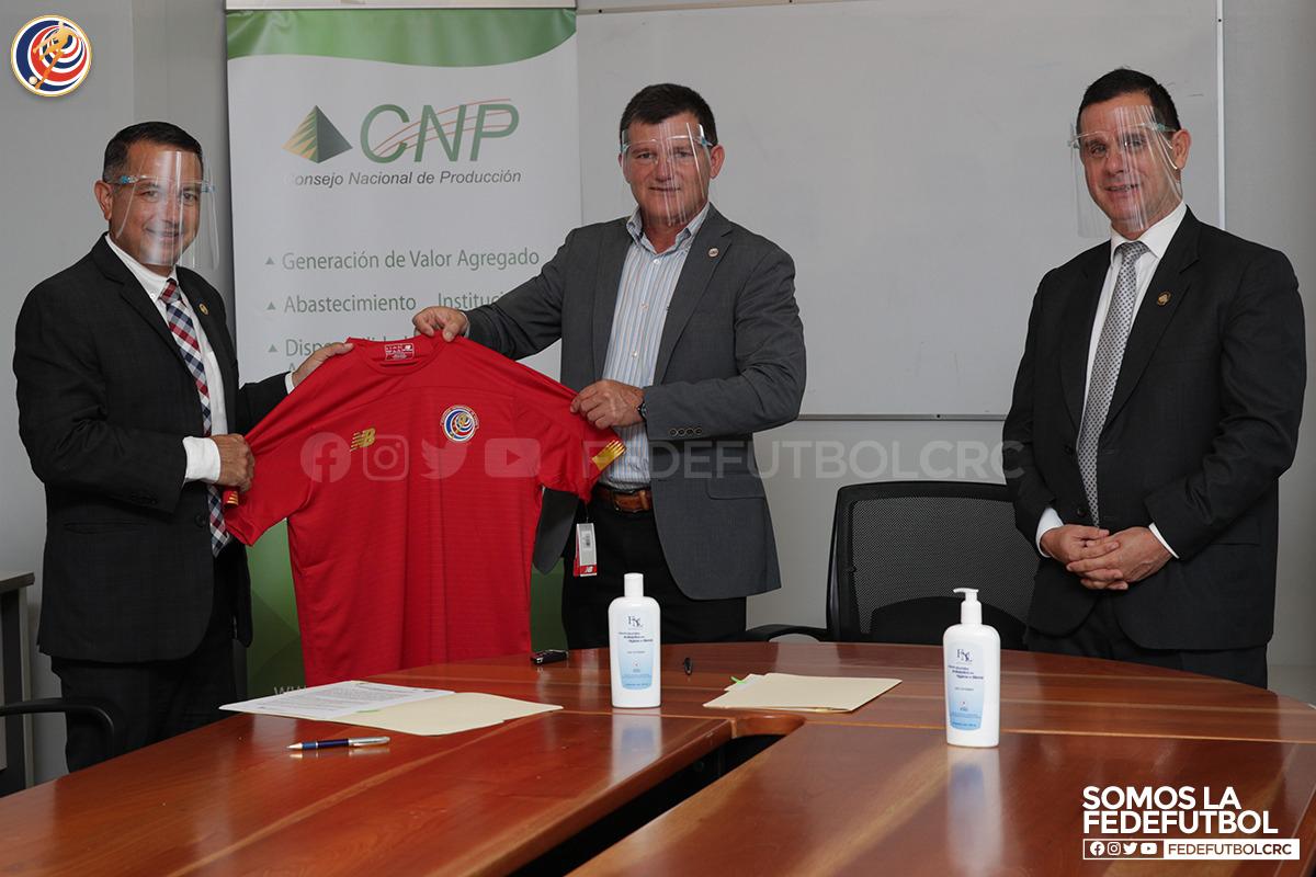 Fedefútbol y CNP firman convenio que beneficiará al Fútbol Femenino
