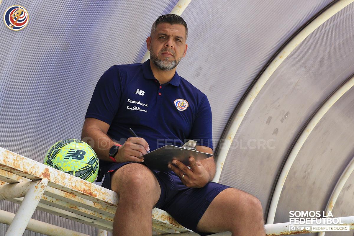Fedefútbol nombra director técnico de playa