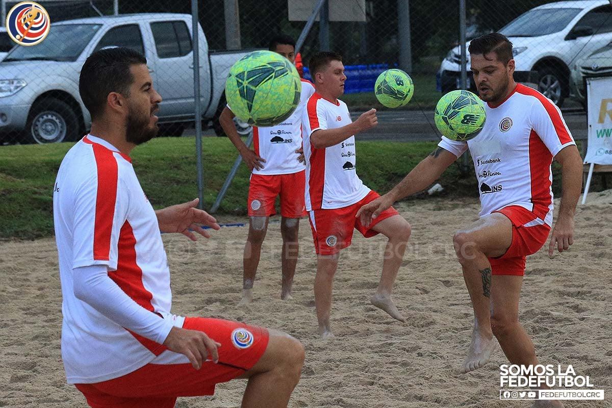 El trabajo integral está presente en cada entrenamiento de fútbol playa
