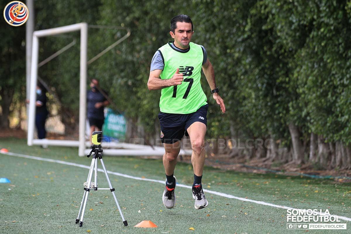 Cristian Rodríguez: el árbitro que imparte justicia en las calles y en la cancha