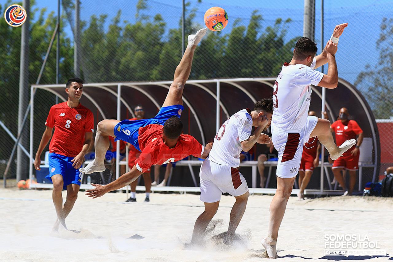 Selección de Fútbol Playa inició serie de fogueos ante Suiza