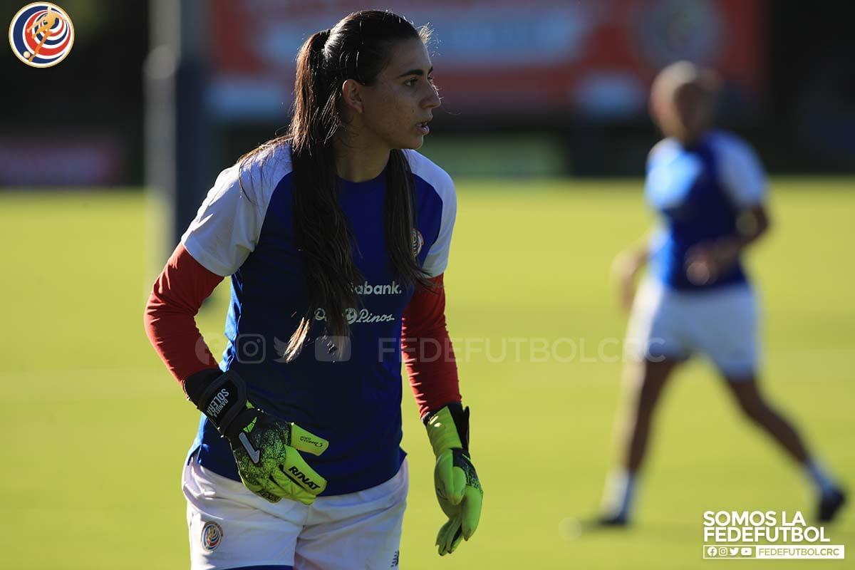 Daniela Solera considera que ha mejorado y tiene más liderazgo para defender el arco tricolor