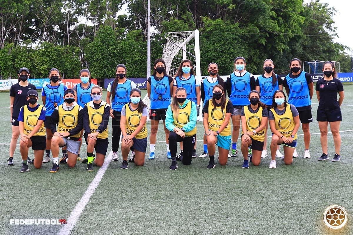 Finalizó con éxito el curso de Concacaf para entrenadoras de Costa Rica